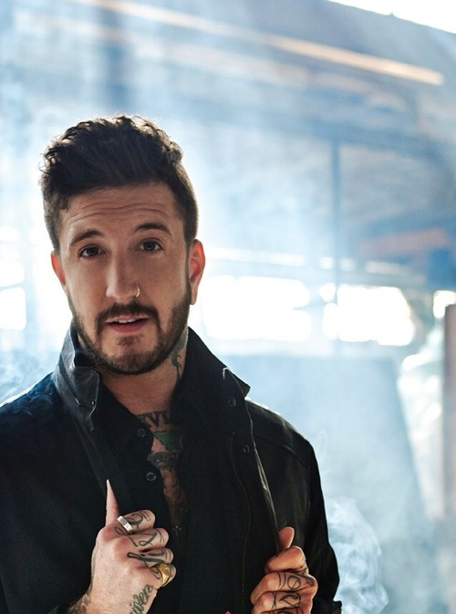 """austin carlile Austin carlile tweeted and blogged today here is the official statement: this is my official statement """"i, austin carlile, quit of mice & men"""" there its done we're."""
