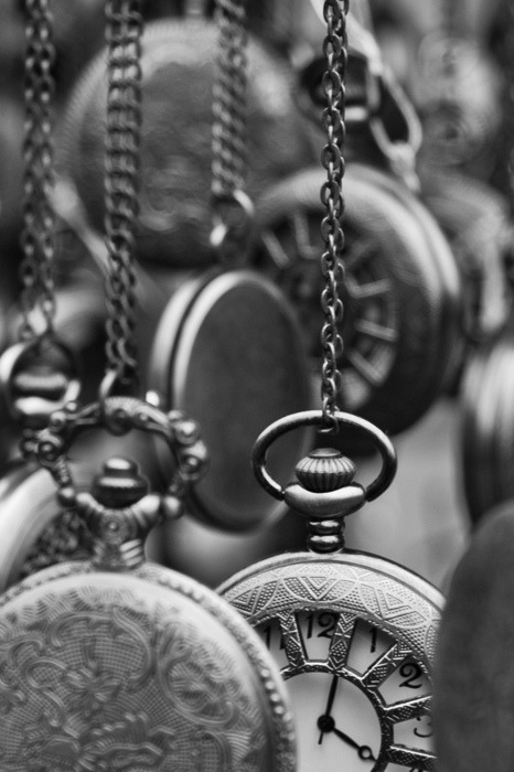 antique, black and white, chains, clock, clocks, darkness, numbers, pointer, time, vintage, watches, varnuak