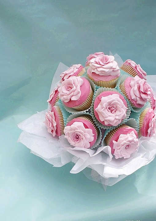 cupcakes, dessert, food and pink