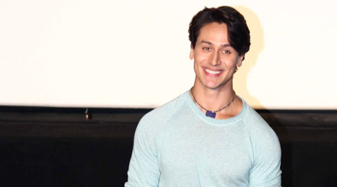 Cute handsome love smile tiger shroff image 2124944 for Tiger shroff tattoo