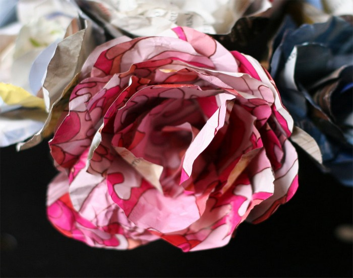 flower bouquet, Beautiful Flower pins, DIY Flowers Idea and Recycled Paper Flower