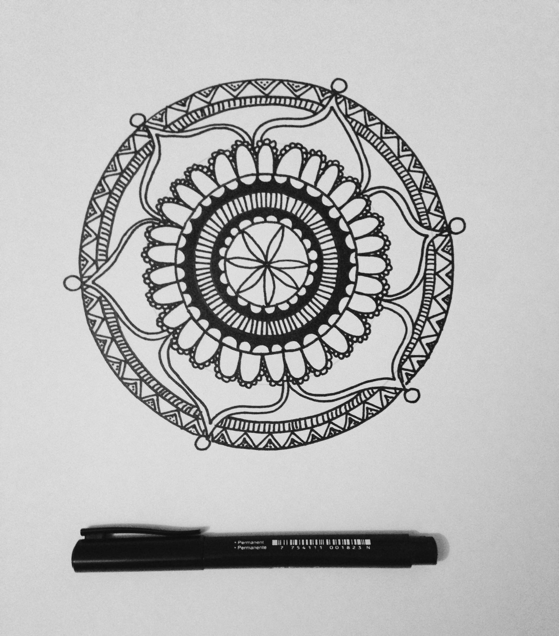 art, arte, black and white, by, chile, dibujos, draw, mandala, paper, rate, whatever, darla abrigo