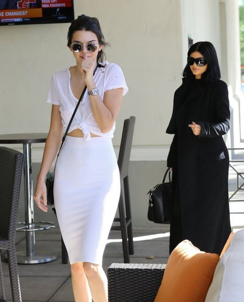 King kylie and queen kendall image 3710444 by rayman on for Nipple piercing through shirt