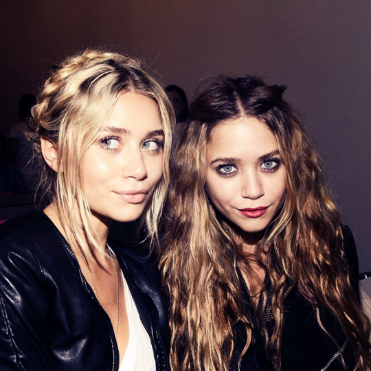 ashley olsen, beauty, blonde, braids, brunette, curls, eyebrows, eyes, flawless, girls, hair, inspiration, long hair, makeup, mary kate olsen, nude, olsen twins, perfect, red lips, twins
