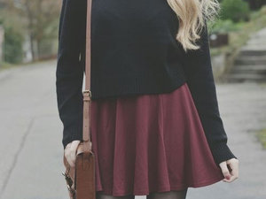black, bordeaux, chic, fashion, jupe, mode, outfit, pull,