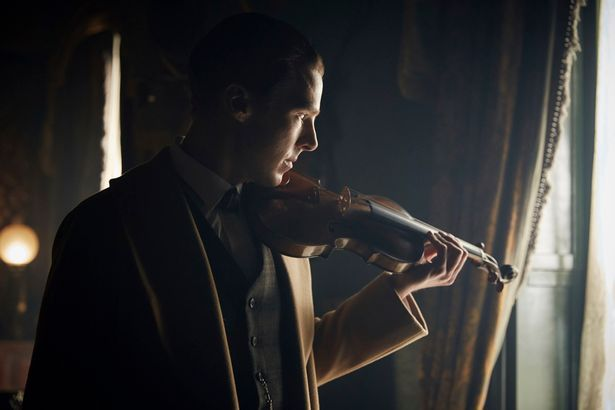 bbc, benedict cumberbatch, christmas, sherlock, sherlock holmes, special, suit, tv show, violin