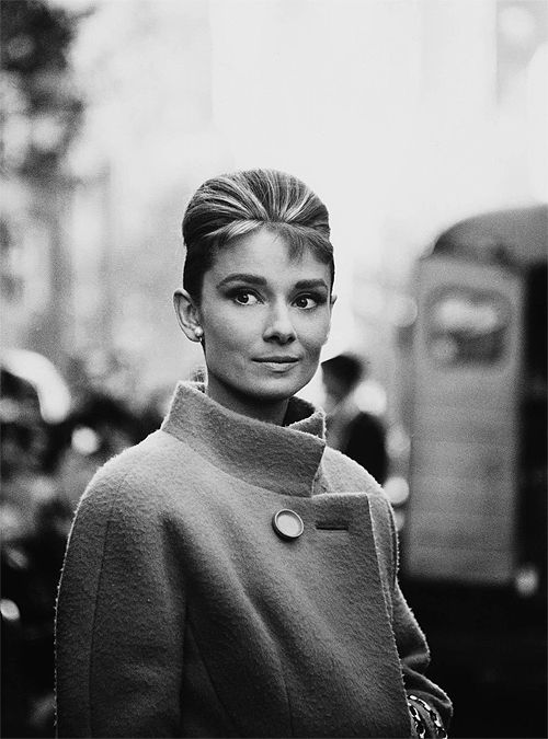 audrey hepburn, breakfast at tiffanys