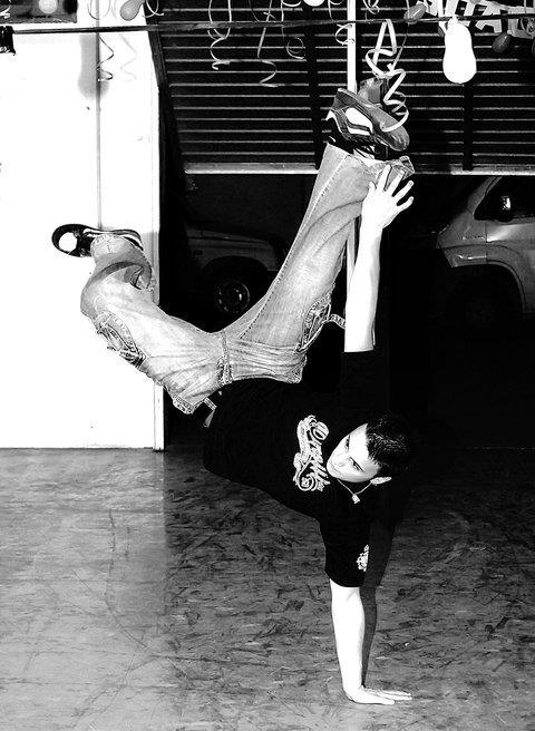 boy, breakdance, handstand