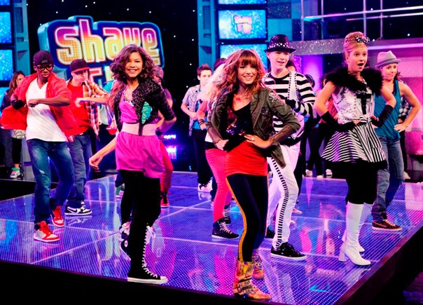 dance fever girls dance dancing smile clothes bella thorne zendaya coleman