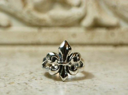 fleur de lis, fleur del lis ring, saints, saints football  team, drew brees