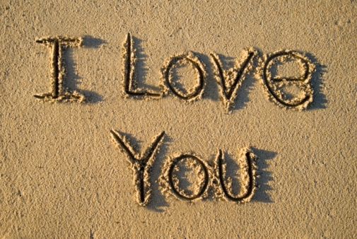 Volim te  - Page 7 I-love-you-love-sand-text-quote-important-words-unsaid-short-life-time-beach-sea-summer-Favim.com-445549
