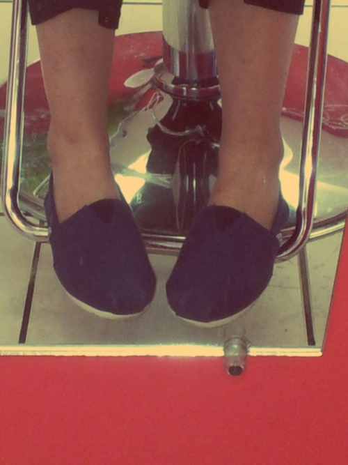 toms, shoes, mirror