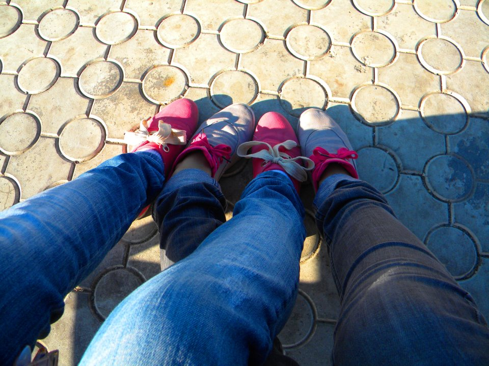 twins, girls, ata, ama, shoes