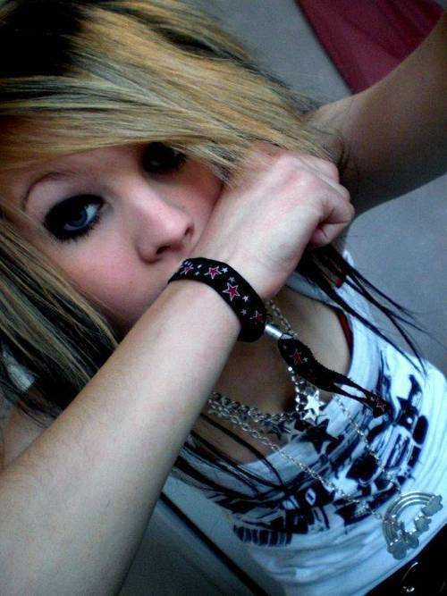 adorable, beautiful, beauty, body, bracelet, bracelets, brunette, clothes, cute, damn, emo, eyes, girl, gorgeous, hair, hot, necklace, necklaces, perfect, perfection, photo, pretty, scene, sexy, stunning, style, unf, woman
