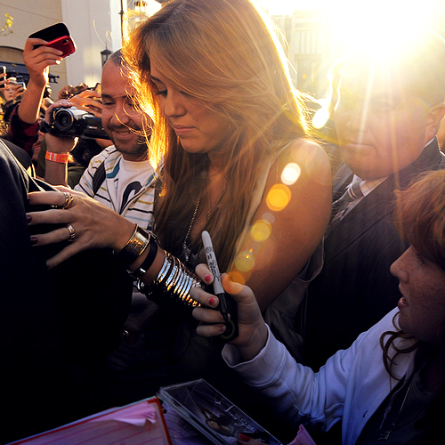 autograph, beley, bracelet, fans, flash, flawless, girl, hair, miley cyrus, ring, singer