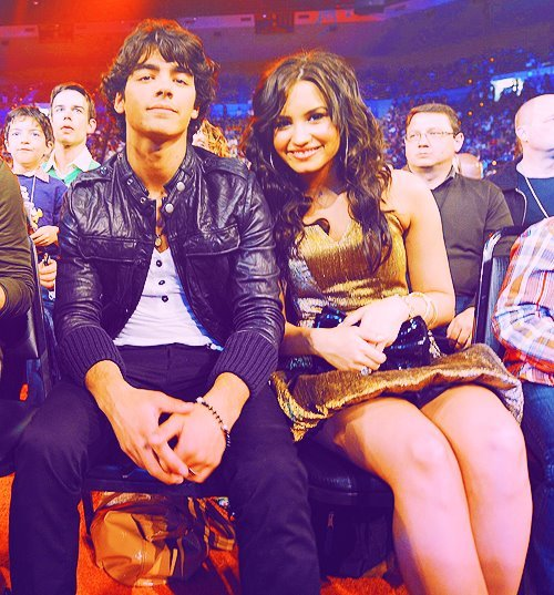 awkward, demi lovato, jemi, joe jonas, true love