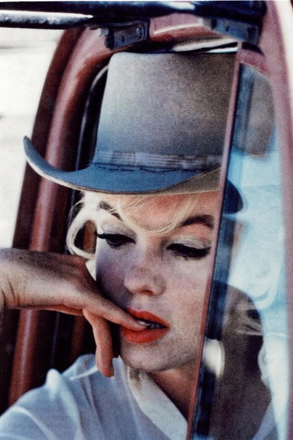 beauty, marilyn monroe, thinking