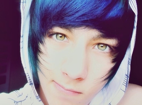 boy with blue hair tumblr - photo #37