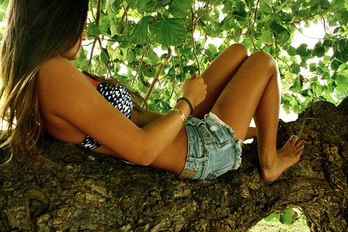 body, brunette, chillen, girl, jeans, legs, summer, teenager, tree