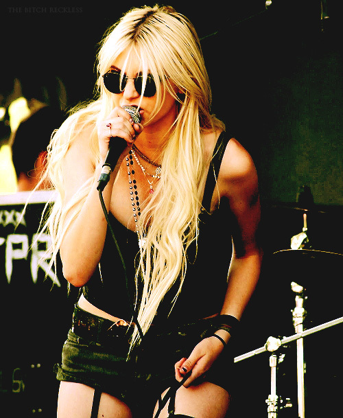 concert, sexy, taylor momsen, the pretty reckless