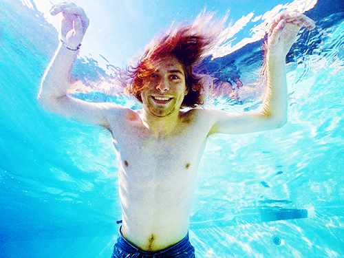 kurt cobain, nirvana, water