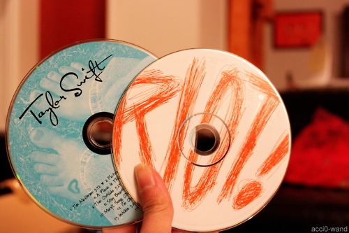paramore, riot!, taylor swift
