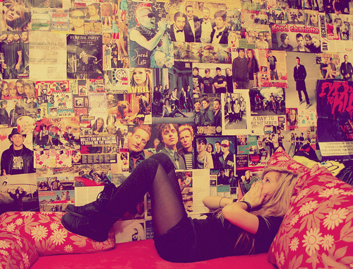 30 seconds to mars, a day to remember, abbey dawn, avril lavigne, badroom, beautiful, bed, blink 182, girl, green day, happy, jared leto, photo, photography, poster, pretty, room, sleep, summer