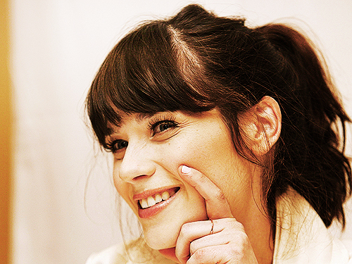 500 days of summer, actress, adorable, beautiful, charming, cute, faces, funny, love, new girl, singer, zooey, zooey deschanel