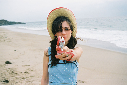 500 days of summer, actress, beautiful, charming, cute, funny, gun, love, new girl, singer, the go getter, zooey, zooey deschanel