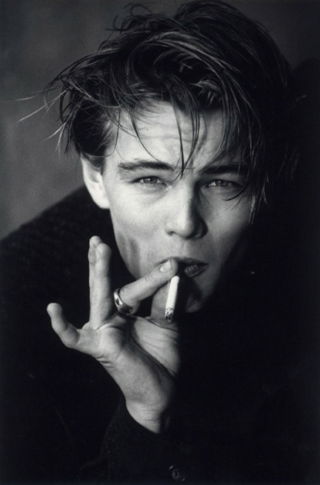 actor, amazing, b&w, beautiful, beauty, black and write, cigarrette, eyes, famous, hair, hot, image, leo, leo di caprio, leonardo, leonardo di caprio, perfect, photo, photography, pretty, sexy, smoke