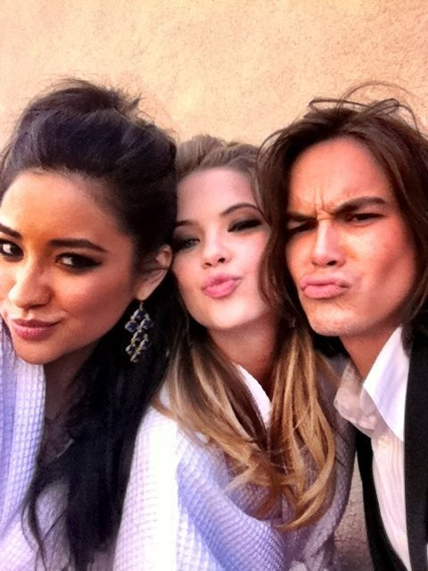 adorable, ashley benson, duck face, duckface, lol guy duck face!, pll, pretty little liars, shay, shay mitchell, tyler