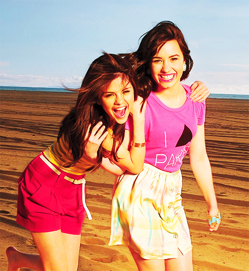 adorable, beautiful, cute, demi lovato, friends, girls, photography, pink, pretty, selena gomez