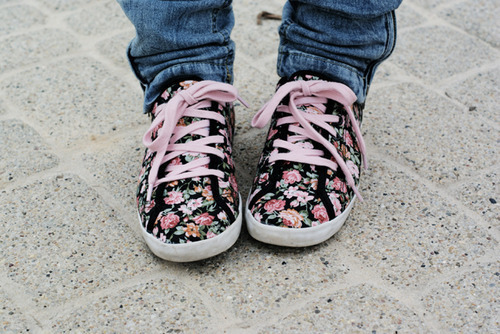 adorble, cute, floral, floral print, florals, flower, flowers, jeans, keds, pink, plim soles, pretty, shoes, sneakers
