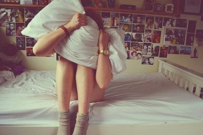 alone, bed, cool, cring, cute, girl, picture, pretty, room