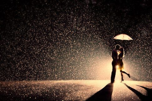 amor, amour, beautiful, beso, boy, city, cool, couple, cute, girl, kiss, light, lluvia, love, lovely, luces, lucy, night, noche, pareja, photography, rain, romance, romantic, romantico, snow, umbrella