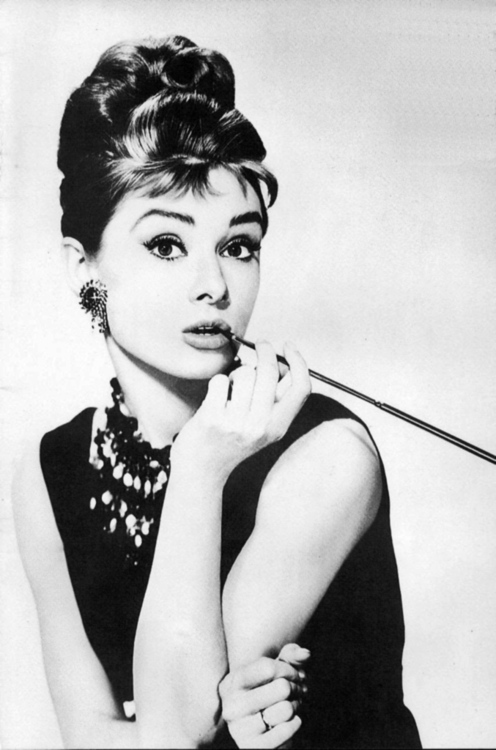 audry, audry hepburn, beautiful, desayuno con diamantes, girl