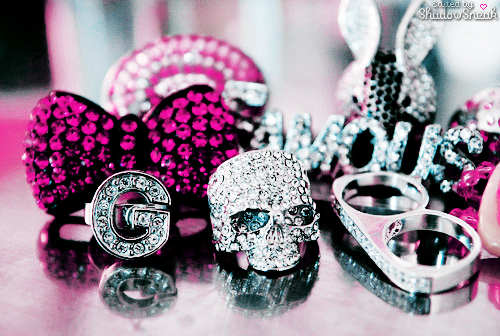 awesome, bling, cool, diamonds, expensive, jewlery, pink, sweet, want, wow