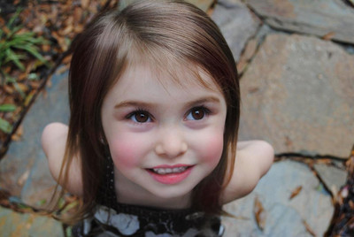 aww, brown eyes, cute, girl, renesmee, smile, straight hair, toddler, twilight