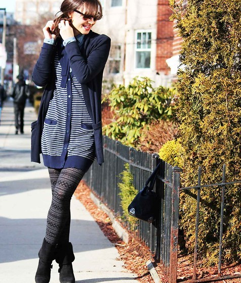 bag, blue, cardigan, chick, cute, fashion, girl, glamour, hair, lookbook, model, modern, nerd, patterned tights, pretty, season, shoes, street, style, trendy, urban, winter