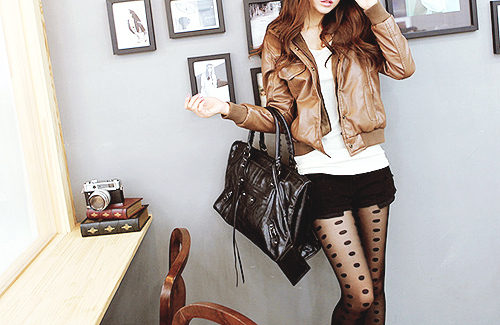 bag, books, camera, cardigan, clothes, cute, fashion, girl, income, jacket, leather, leather bag, leather jacket, pantyhose, pretty, sexy