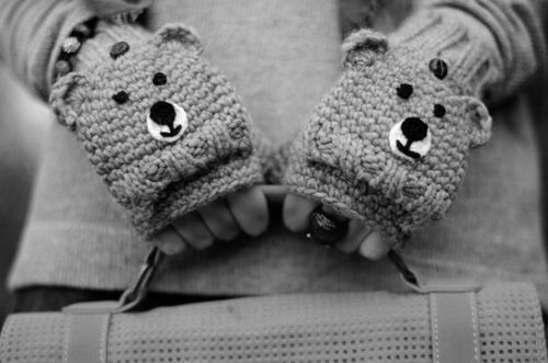 b&w, bear, black and white, cool, cute, fashion, gloves, photo, photography, style, teddy