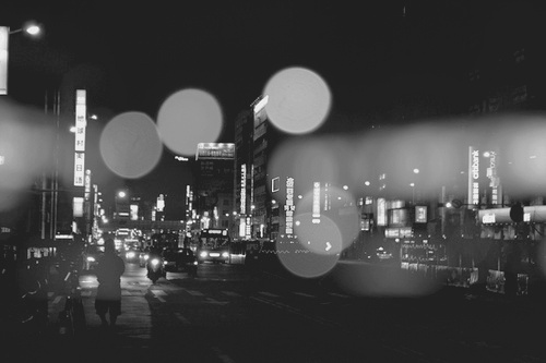 b&w, black and white, car, cars, city, city light, city lights, headlights, korea, light, lights, night, night light, night lights, people, street, urban