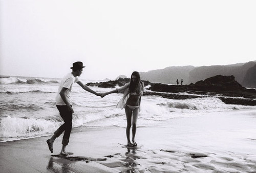beach, beautiful, black and white, boy, couple, cute, girl, ocean, photography, sea, summer