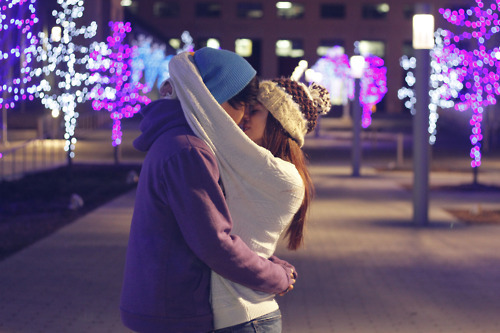beanie, boy, couple, cute, girl, guy, kiss, love