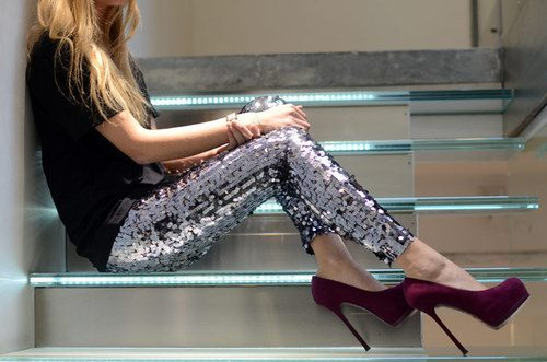 beautiful, beauty, black, blond, blonde, fashion, girl, girls, glitters, hair, high heels, leggings, shoes, silver