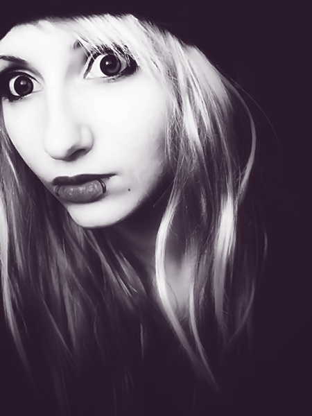 beautiful, black, black and white, blonde, eyes, face, girl, hair, lips, pearcing, pretty