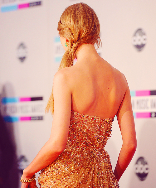 beautiful, dress, hair, pretty, swift