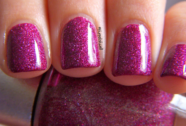 beautiful, holographic, manicure, nail polish, nailpolish