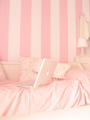 bed, laptop, mac, pink, room