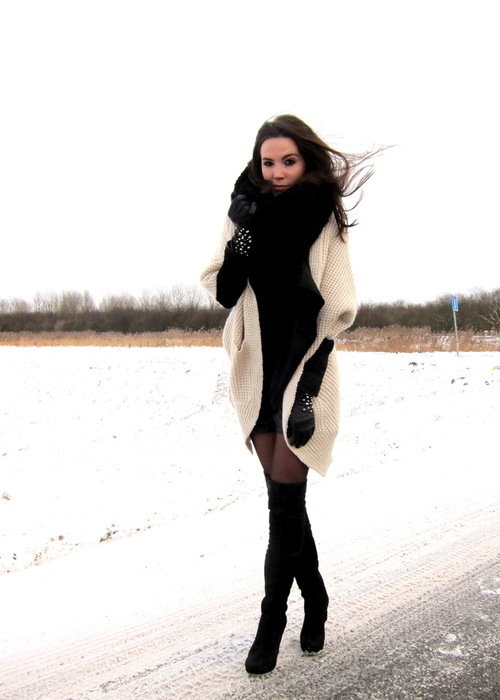 beige, black, circle scarf, cold, fashion